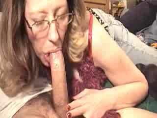 Mom sucking pecker for a bit of money