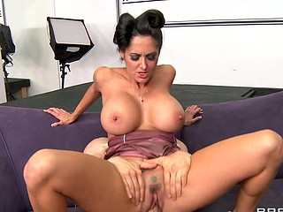 Ava Addams is more than just a pornstar. That Babe used to be a world renowned model, apparently, making it large with her stellar runway attitude. Now, however, this babe lives in Las Vegas and runs a school where would-be models are taught absolutely anything they need to know so they, too, can make it large!