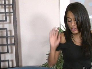 Oriental star Mia Lelani plays mistress and cuckolds a hotty !